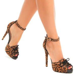 Madison by ShoeDazzle Sable leopard lace up pump